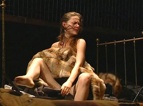 otkrovenniy-seks-na-stsene-teatra