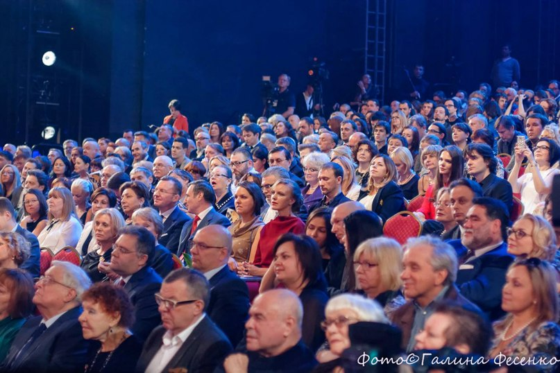 http://bojarskaja.ru/foto/zolotaya-maska-aprel-2014-34.jpg